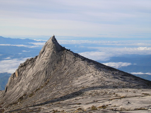 Вершина гори Кінабалу на острові Борнео. Джерело: Олександр Бойко