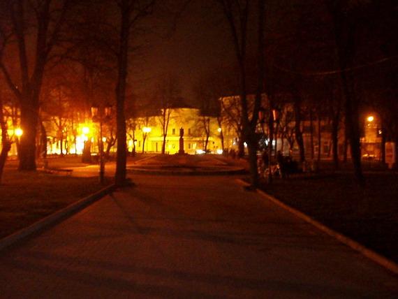 В Годину Землі погасли ліхтарі на Площі Міцкевича у Станіславові