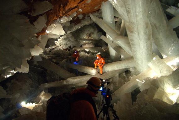 Печера Кристалів - неймовірне чудо природи. Джерело ілюстрації: http://www.stormchaser.ca