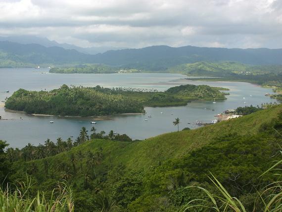 Краєвид затоки Савусаву, Вануа Леву, Фіджі. Джерело: http://www.seaman.com