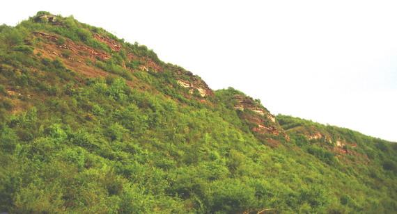 Червоні скелі Дністровського каньйону...