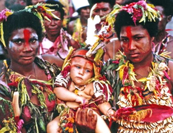 Накаїленґа - церемонія ініціації у племен Сарі (Папуа Нова Ґвінея). Джерело: http://www.smu.ca