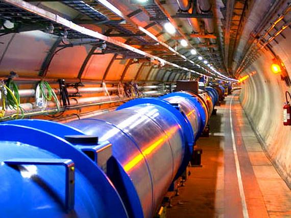 Великий адронний колайдер у 27-кілометровому тунелі. Джерело: http://www.stiintaazi.ro