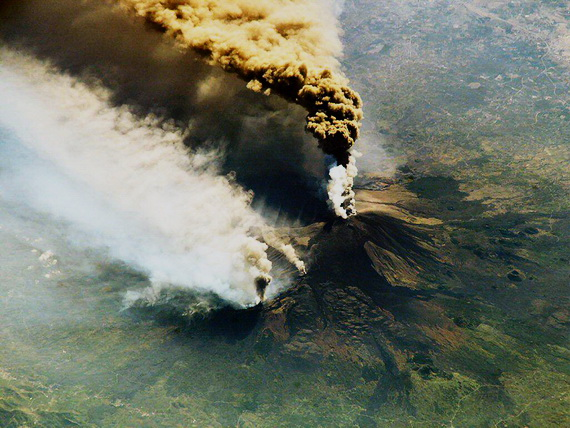 Виверження вулкану. Джерело: http://www.unm.edu